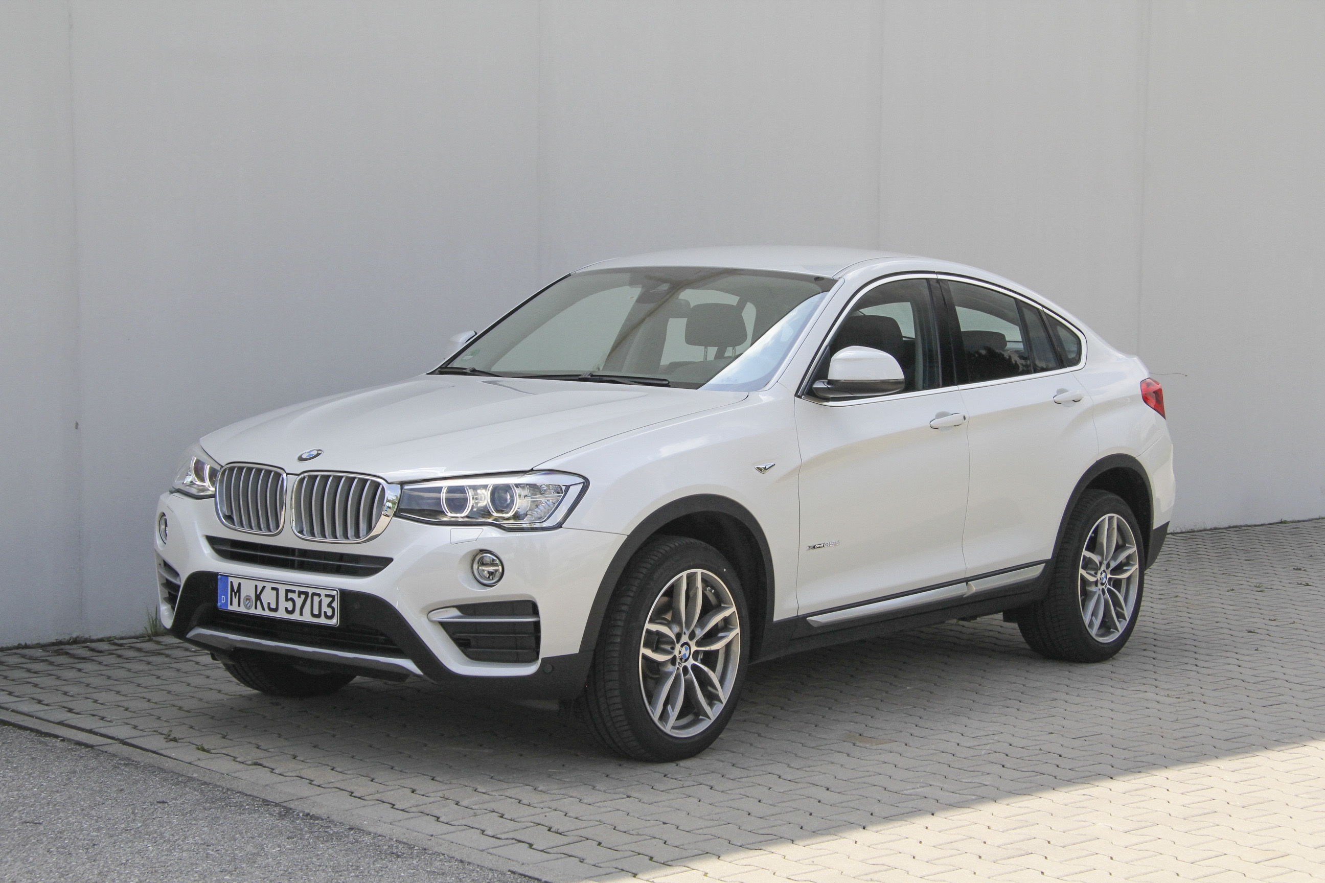 bmw x4 test complet prix sp cifications. Black Bedroom Furniture Sets. Home Design Ideas