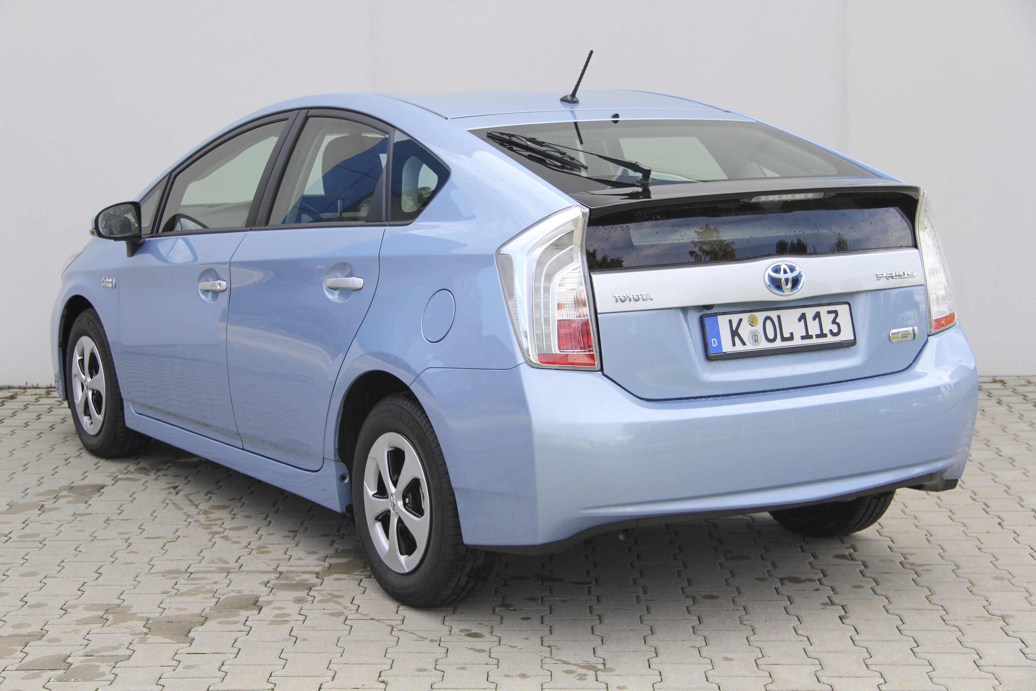 toyota prius 1 8 plug in hybrid test complet prix sp cifications. Black Bedroom Furniture Sets. Home Design Ideas