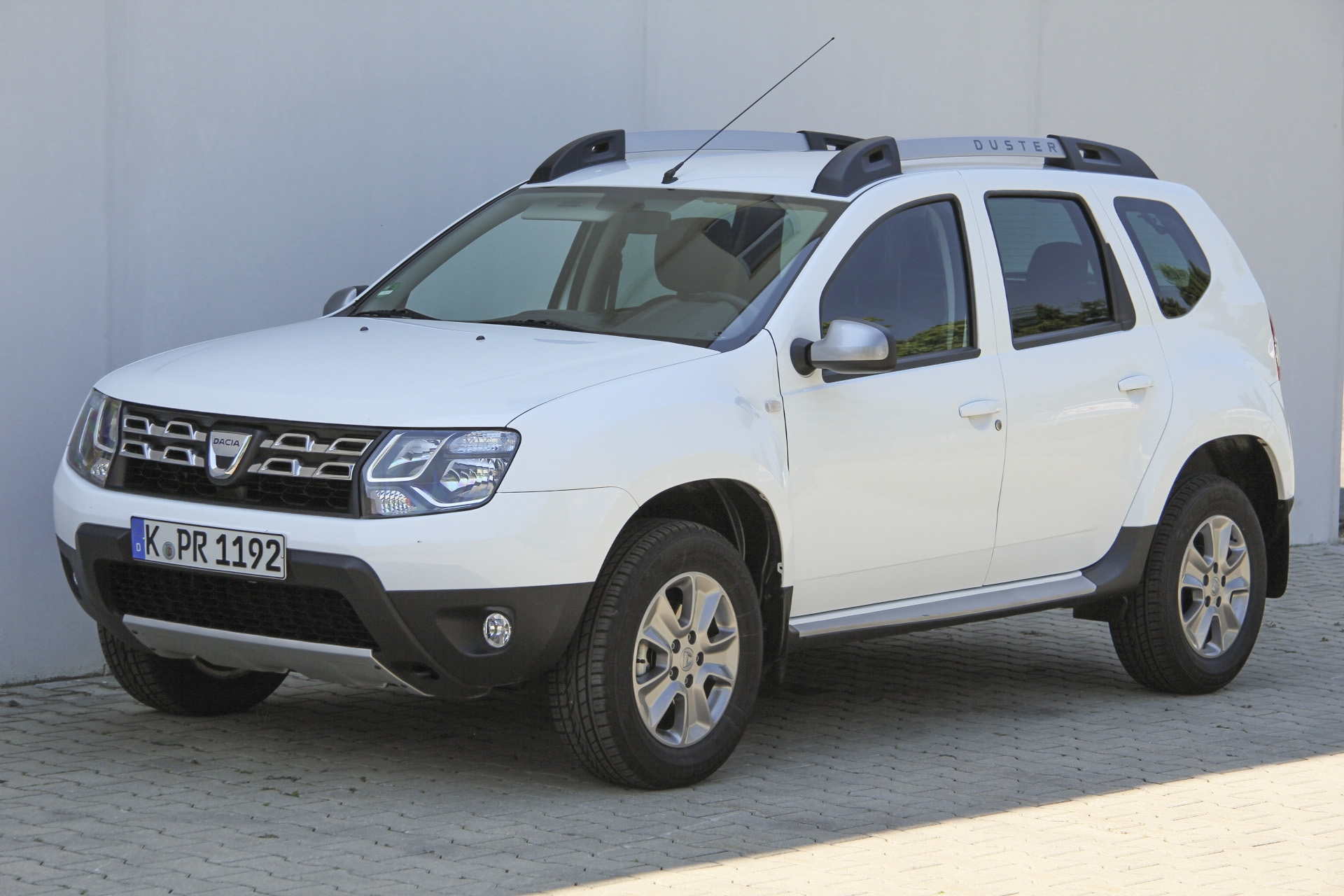 dacia duster tce 125 test prijzen en specificaties. Black Bedroom Furniture Sets. Home Design Ideas