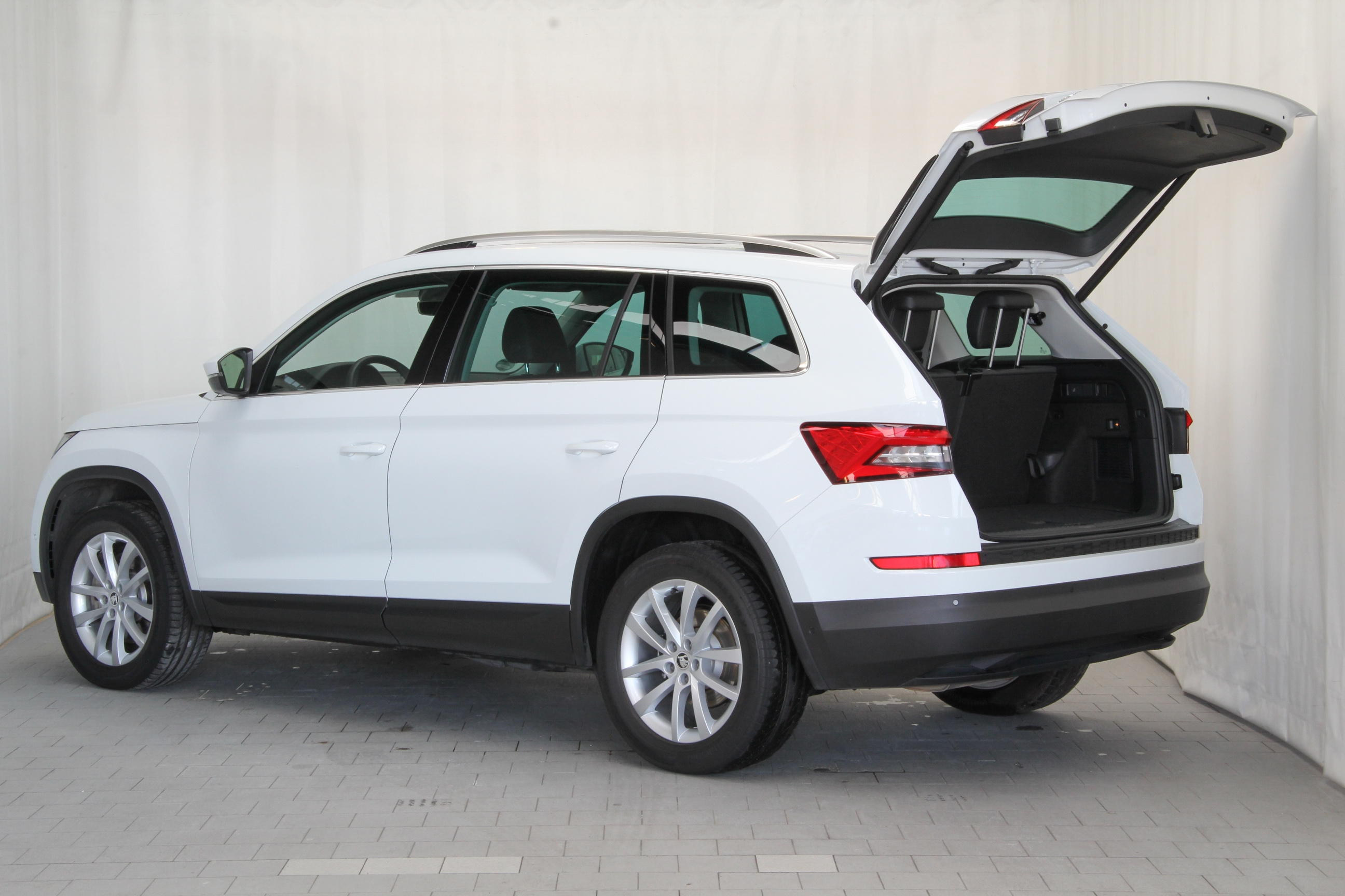 skoda kodiaq test complet prix sp cifications. Black Bedroom Furniture Sets. Home Design Ideas